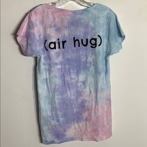 NWT Tie dye bubble berry air hug T-shirt Sz large